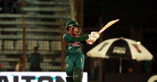 লাইভ রিপোর্ট : জিম্বাবুয়েকে পাত্তা না দিয়ে ফাইনালে বাংলাদেশ