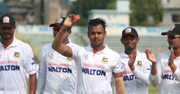 রাব্বির ৬ উইকেট, নুরুজ্জামানের ৩ উইকেট ০ রানে