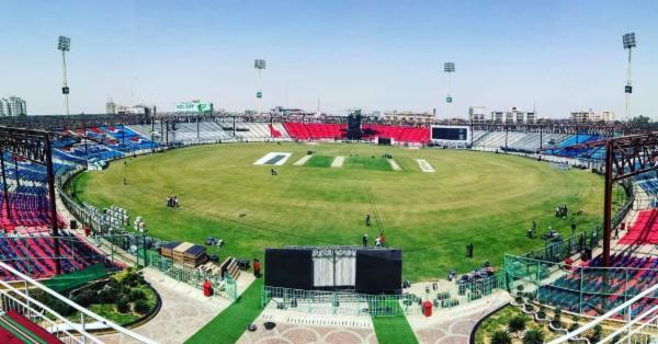 পাকিস্তানে ফিরছে টেস্ট ক্রিকেট