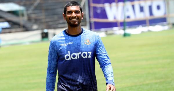 জিম্বাবুয়ে সফরের টেস্ট দলে যুক্ত হলেন মাহমুদউল্লাহ