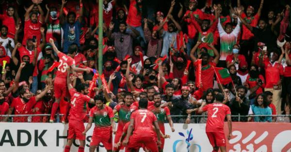 ছন্নছাড়া বাংলাদেশকে ফুটবল শিক্ষা দিল মালদ্বীপ